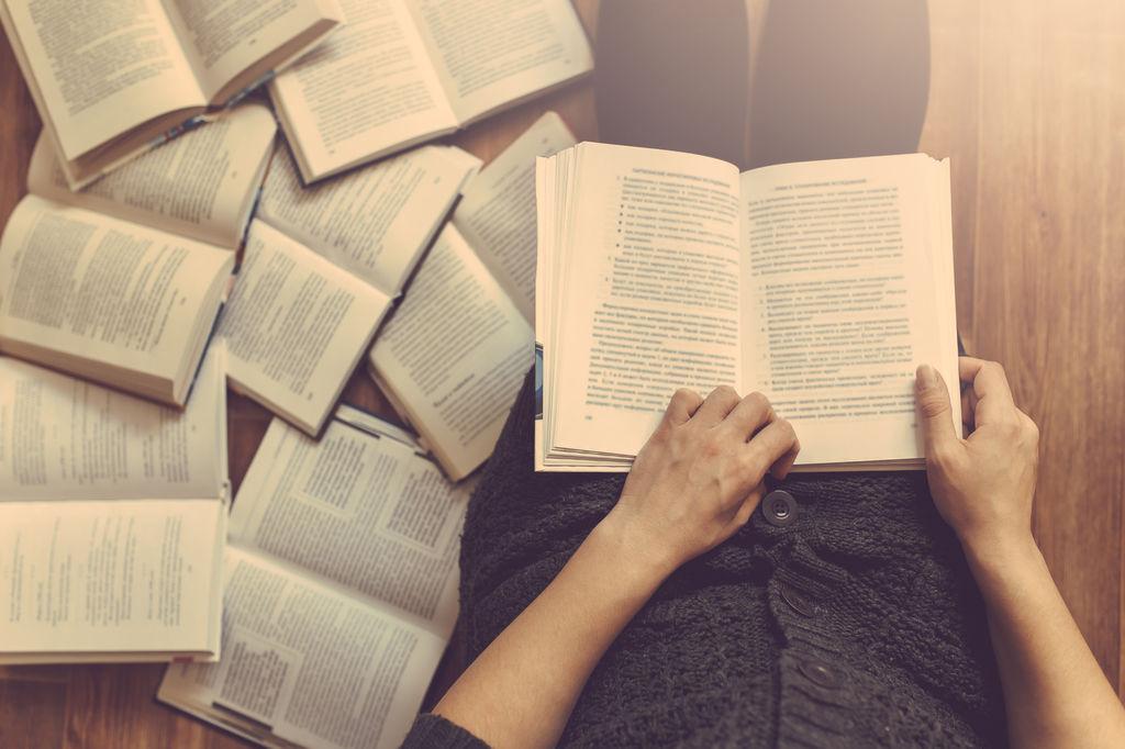 Six-classiques-litteraires-a-offrir-a-vos-jeunes-pour-Noel_width1024